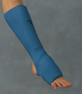 Kojų (blauzdų ir kelties) apsauga mėlyna